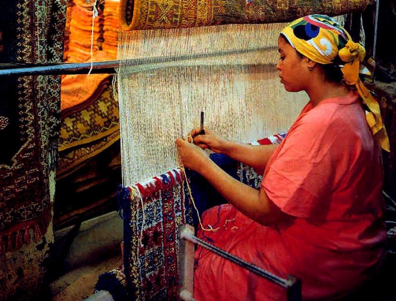 Berber Weavers Behindwool. A lot Patience & Passion.