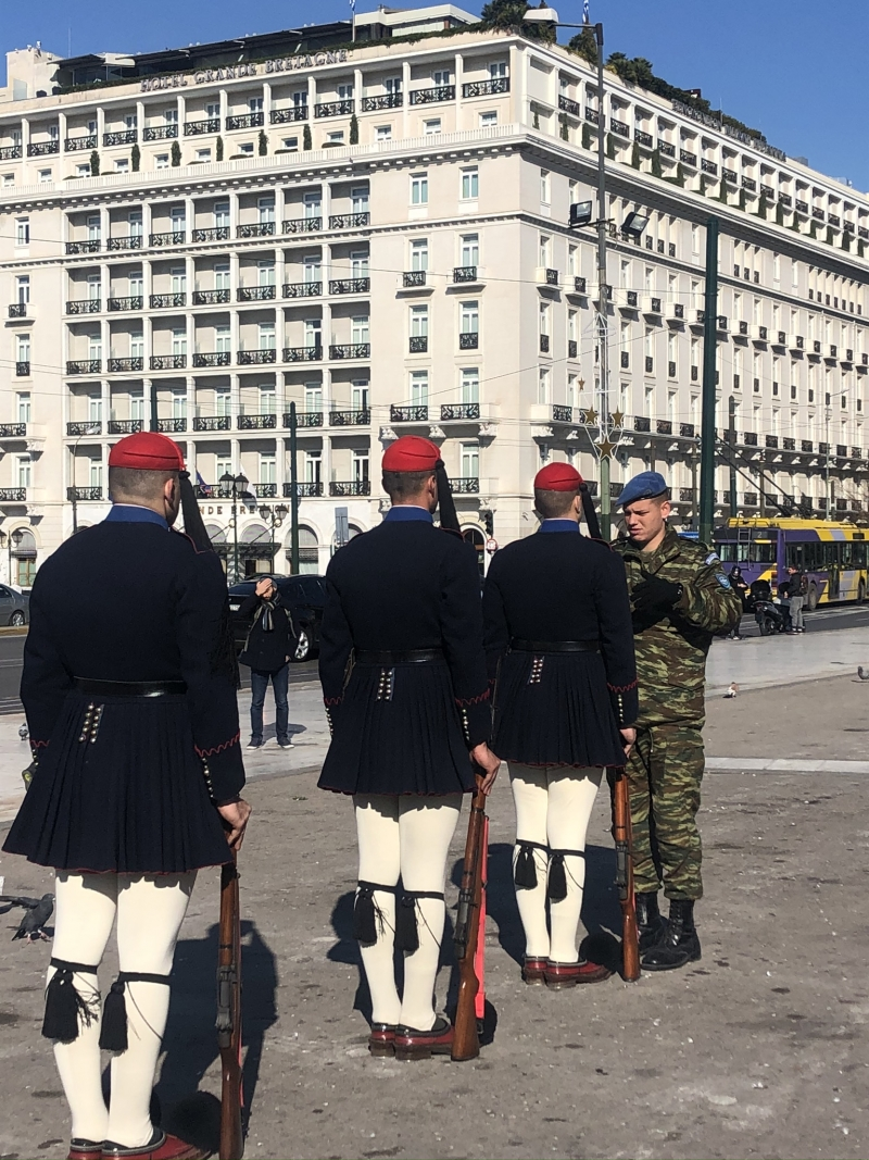 Change of national guards in Sintagma square