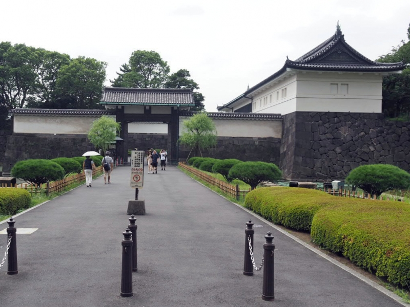 Otemon gate in Edo castle : Originally built in 1607, it had been a main entrance gate of Edo castle.