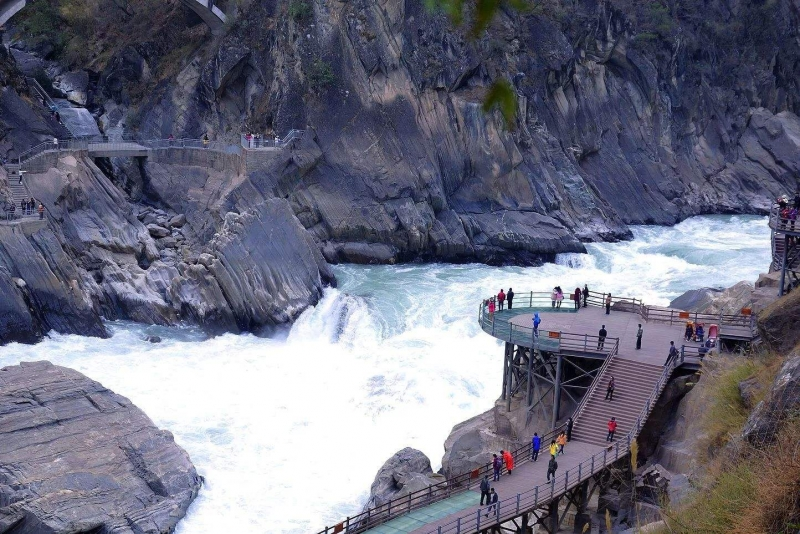 From Lijiang - Private Tiger Leaping Gorge Trekking Course