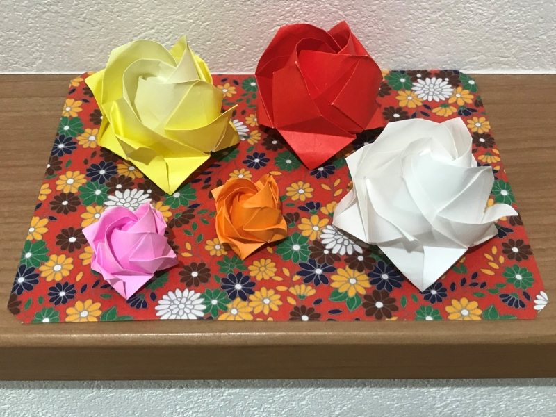 Origami roses for the second step.