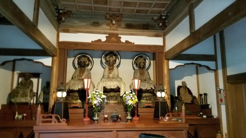Three worlds' Buddha enshrined in a main hall
