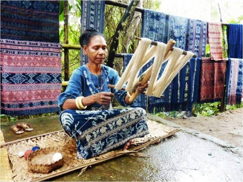 Prepare yarn for weaving