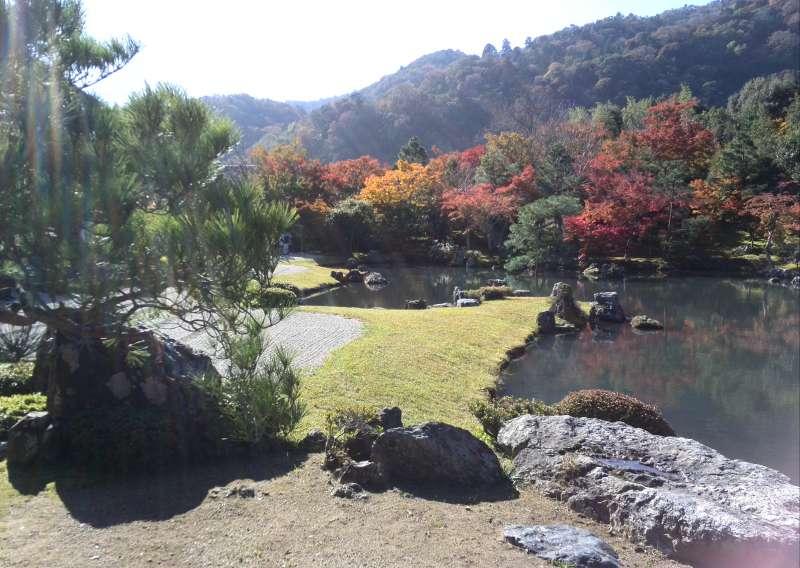 Autumn color at Tenryu-ji temple garden