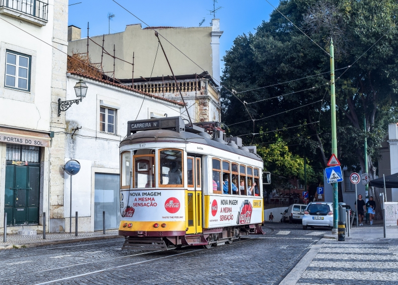 Private Tour-Stroll in the old Lisbon