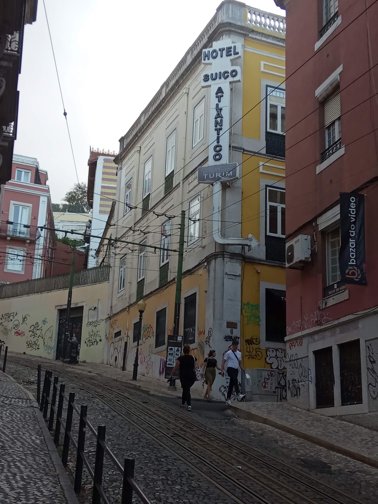 Walking Tour in old Lisbon