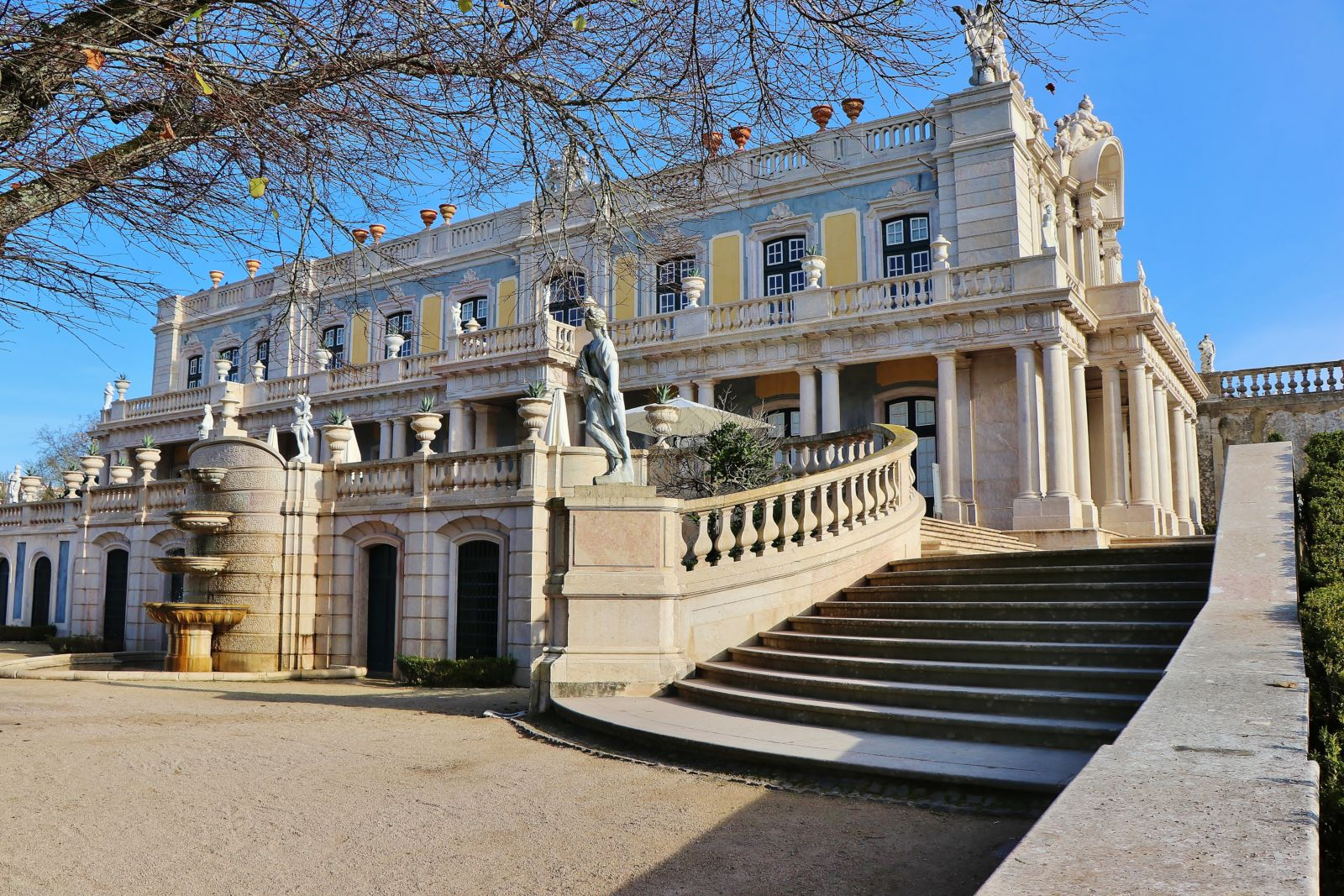 Lisbon's Forgotten Historical Palaces Tour