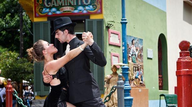 Tango dancers in La Boca neighborhood