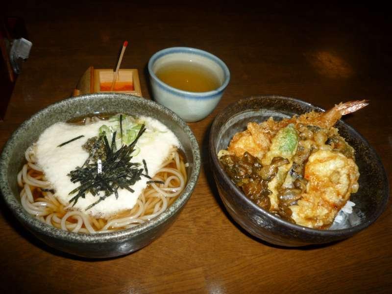 Takao soba and tempura bowl.