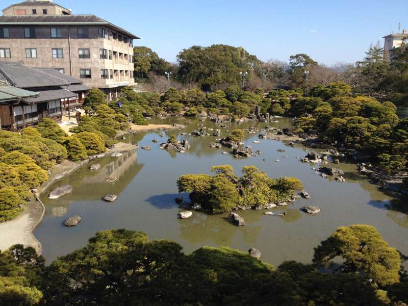 Ohana Shotoen, a very beautiful Japanese landscape garden is waiting for you.