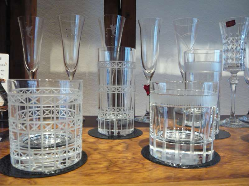 Edokiriko, traditional cut glass that flourished in Edo period  in Tokyo.  Youi can make your own Edokiriko cup in Asakusa.