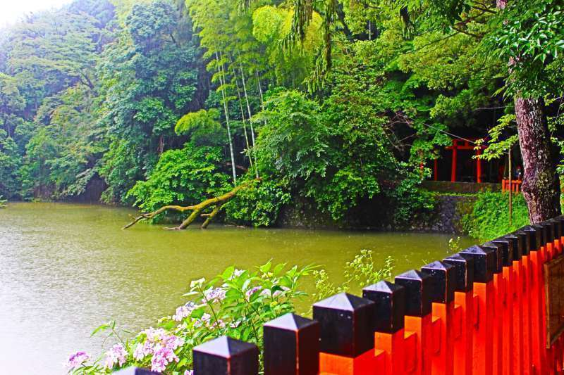 Fushimi Inari Shrine. A beautiful pond.