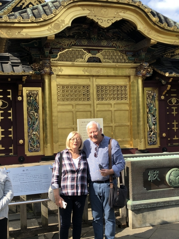 A nice couple at Ueno Toshogu Shrine, which enshrines the founder of Tokugawa Shogunate.