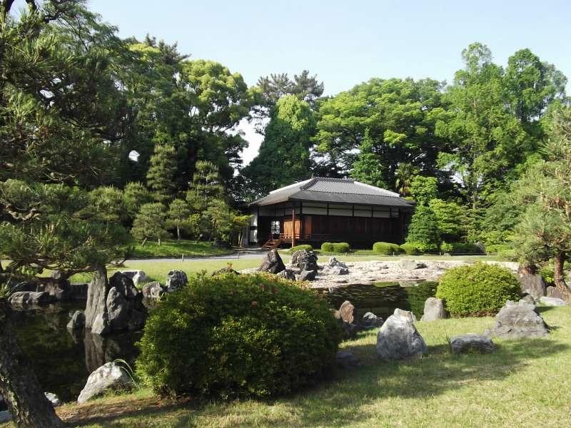 Tea house in Seiryu-en Garden in Nijo-jo Castle.