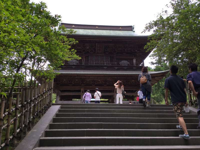 Option D: Enkaku-Ji Temple (Main Gate)