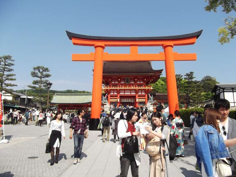 Main gate of Fushimi-Inari-Taisha shrine.