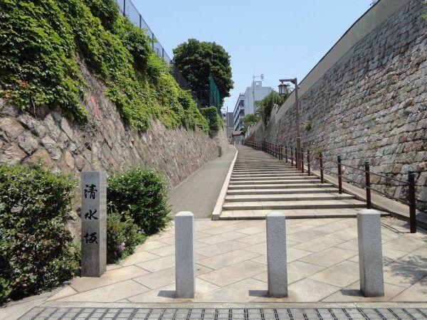 Kiyomizu slope connected to the Kiyomizu Temple