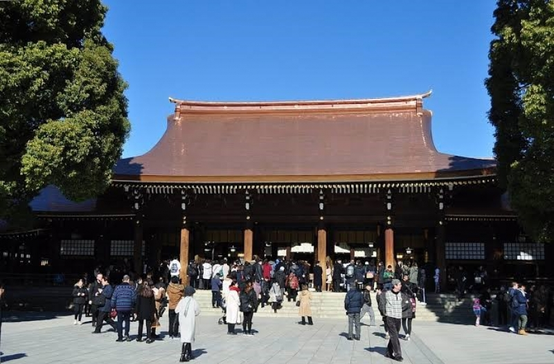 We go to the biggest SHINTO SHRINE in Tokyo and enjoy calm and Zen feeling.