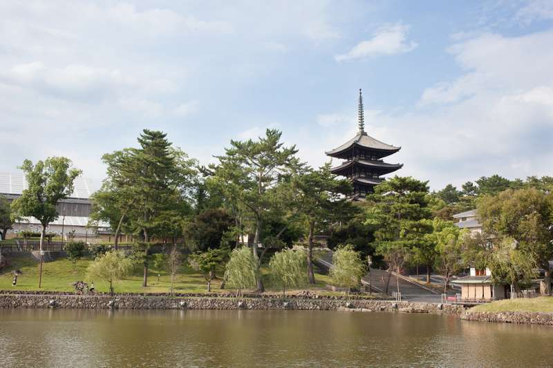 The Five-story Pagoda of Kohfukuji Temple and the Pond of Sarusawa