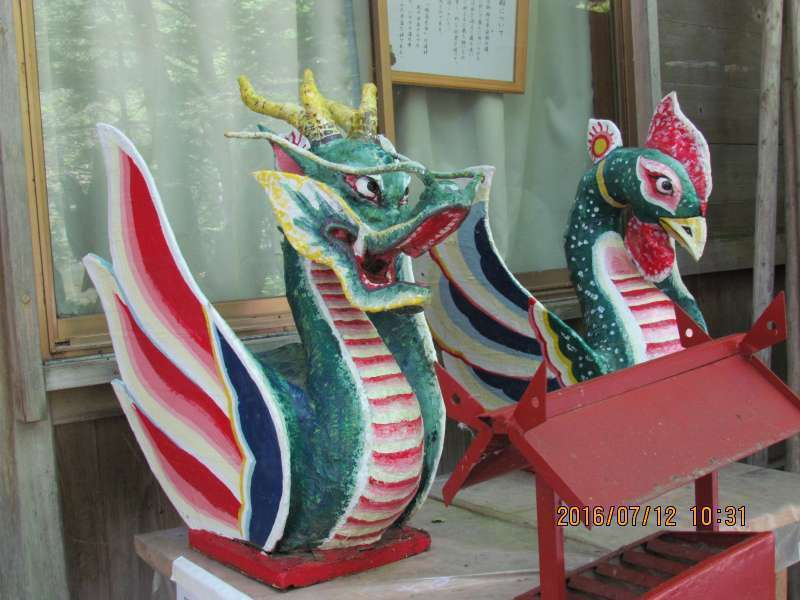 a Dragon and a phoenix in Myojin Shrine