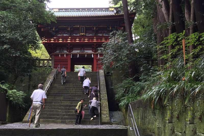 Entrance gate of Kunozan Toshogu Shrine