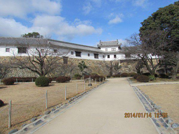 Hyakken-corridor is a three hundred meter long building in Nishinomaru bailey.