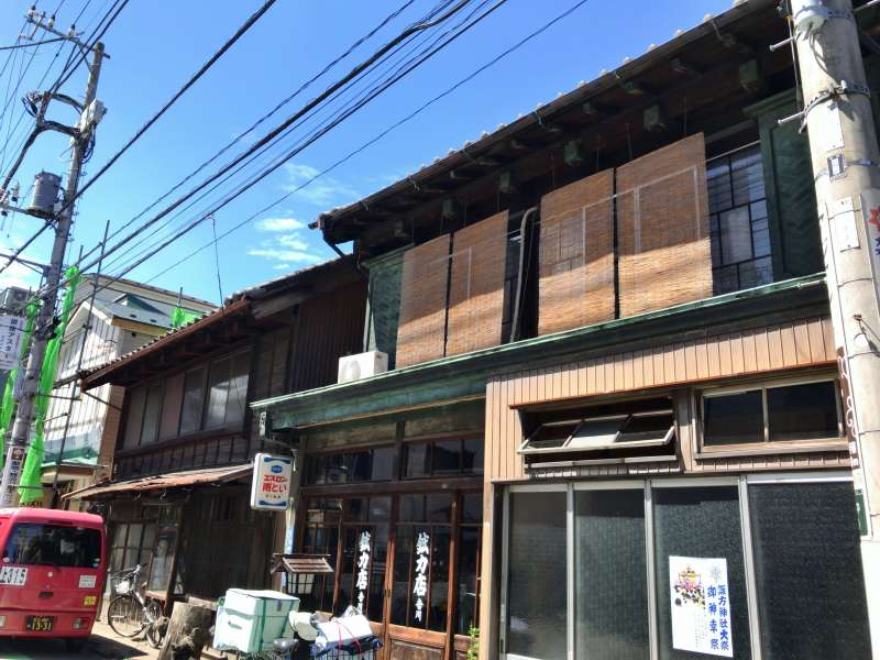 Yanaka has a lot of old houses.