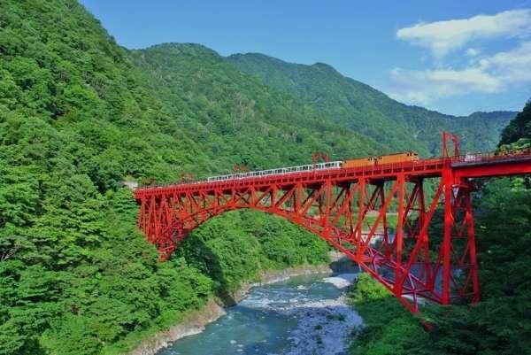 Four Toyama Sightseeing Spots