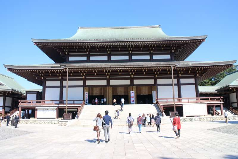 Daihondo (Great Main) Hall. It was completed in 1968. The principal image is Fudo-Myoo.