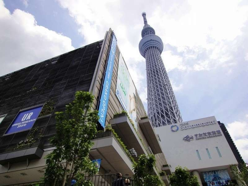 Tokyo Sky Tree is 634 meter high tower. You can do shopping in Soramachi just under the Sky Tree.