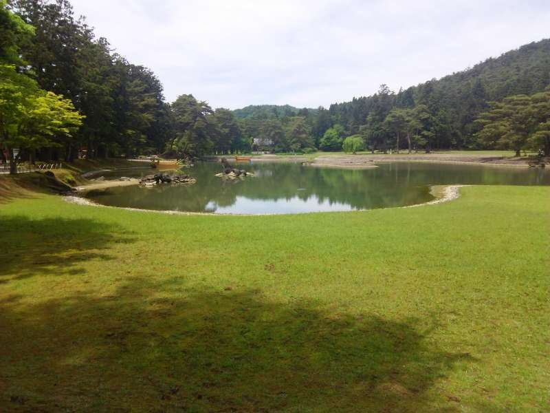 A Beautiful garden with ponds in Motsuji Temple. It is said to actualize a paradise in Buddhism.