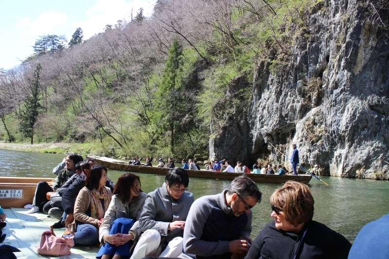 Enjoyable boat trip in Geibikei Gorge