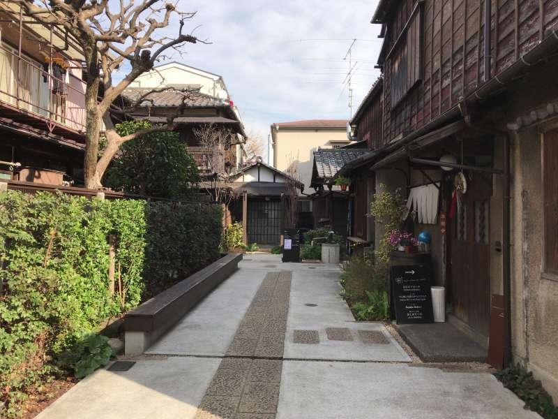 An alley tucked in a back street nearby Yanaka, in Ueno area