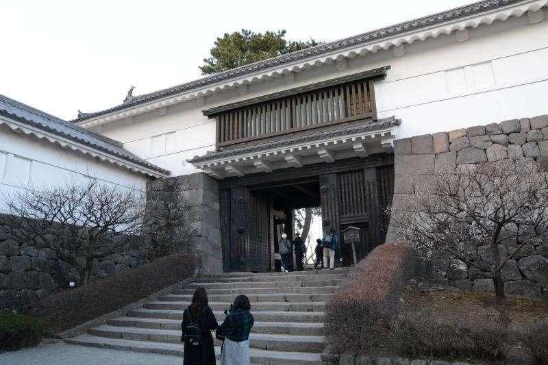 Option No.3 : Seeing Odawara Castle.