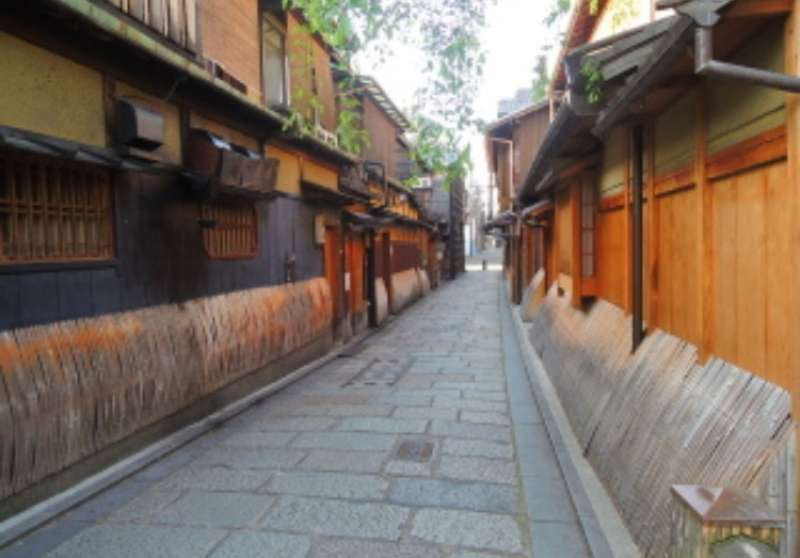 sophisticated atmosphere of Gion area