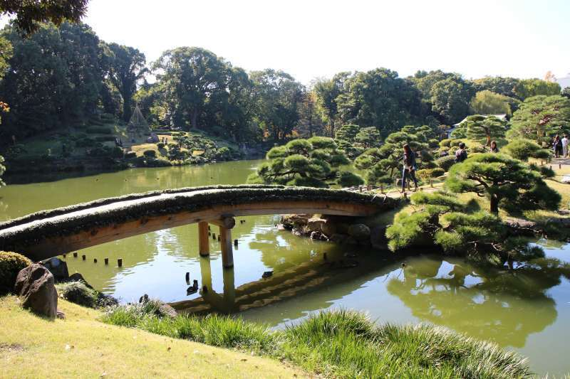 Kiyosumi Garden is a beautiful Japanese garden.