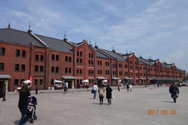Aka-Renga (Old custom building)