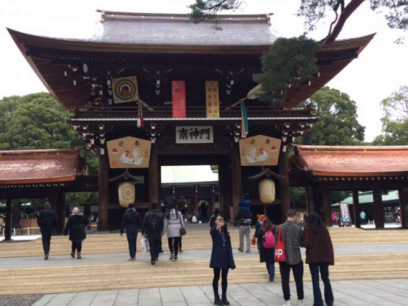 Meiji-Jingu shrine is one of the most famous shrines in Japan. On new year days, 3 million people visit to pray their happiness of the new year.