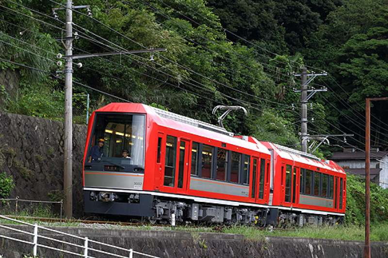 Hakone mountain train car is so lovely and fun to ride from Odawara to Gora station via Hakone Yumoto located in hot spring area. Due to steep slope of railway, a car climbs zigzag way. Cherry blossom April welcomes you as well as a crimson color Autumn season.