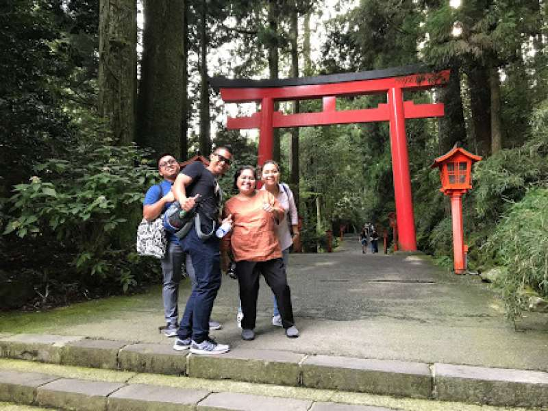 There are many legendary stories around Hankone district.  Shrine in Hakone is also one of the must-see site to be believed as a healing spot to activate you with spiritual power !  In feudal times, Samurai warriors used to pray for Deities for their triumphs in the battle.