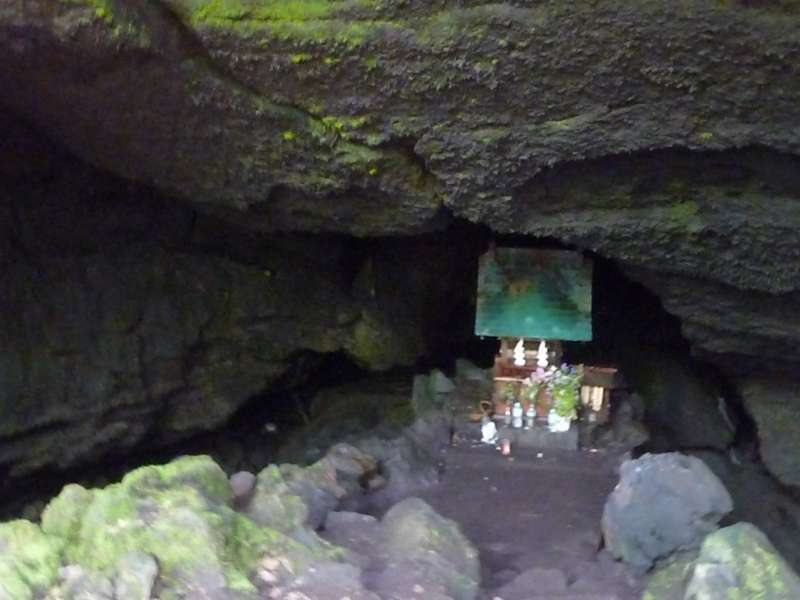 Miniature shrine you will see at Ryugu Cave