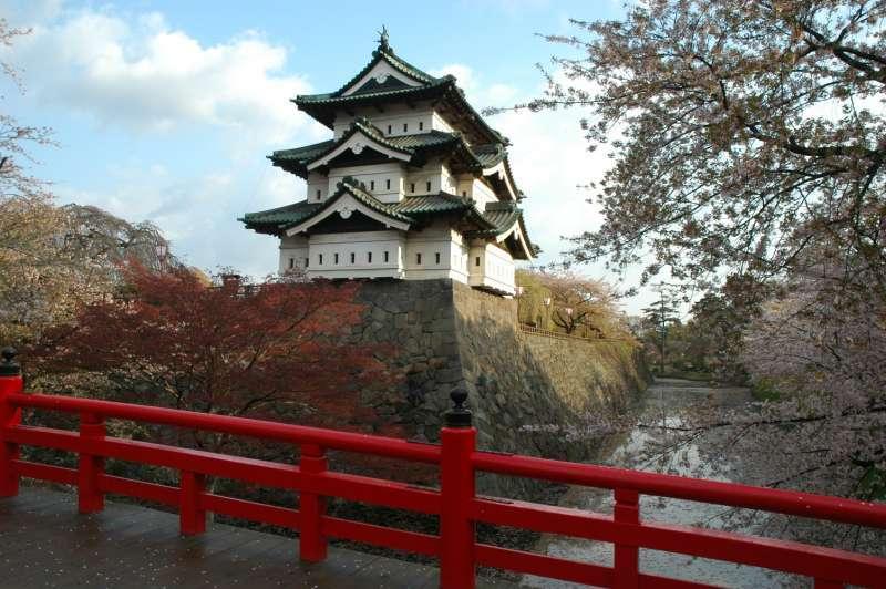 Hirosaki Castle in Hirosaki Park