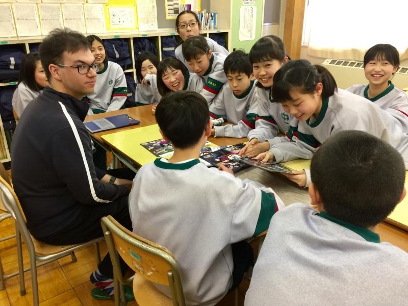 Just enjoy chatting with junior high school kids during lunch break
