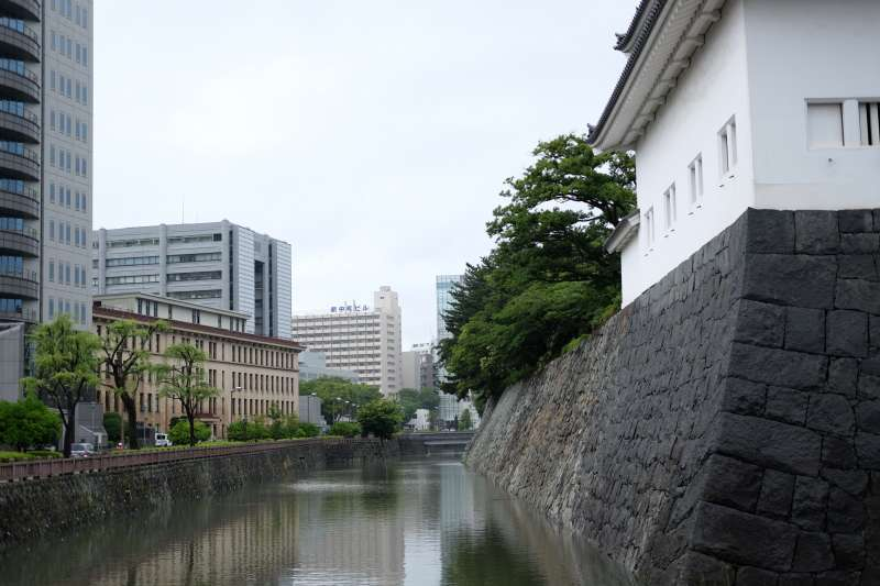 Moat of Sumpu Castle Ruins with Tatsumi Yagura arsenal tower on the right side