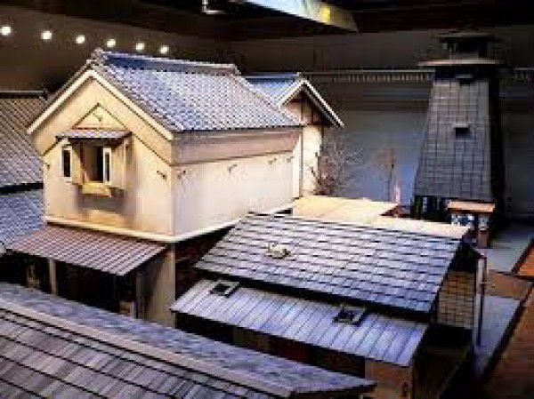 Fukagawa Edo Museum displays real size of the down torn of Edo