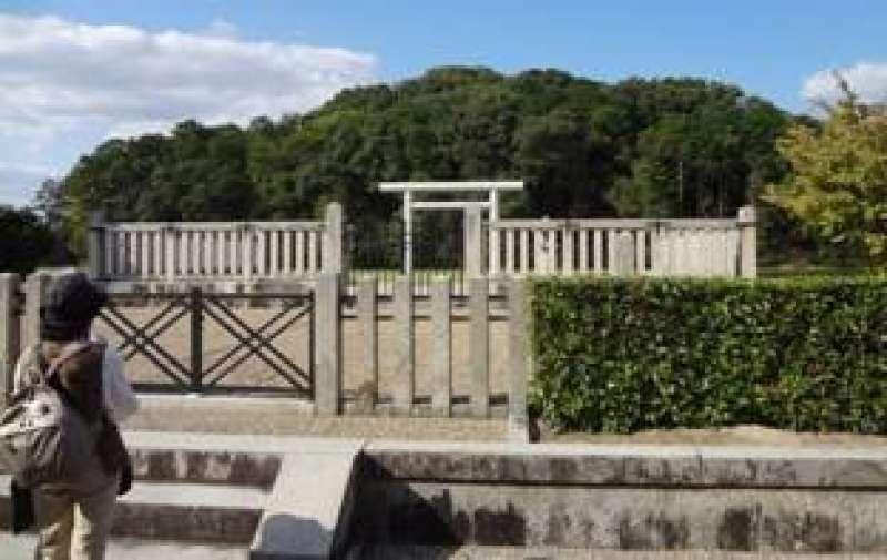 Ancient Keyhole-shaped tumulus Mausoleum of Emperor Suinin - 11th emperor