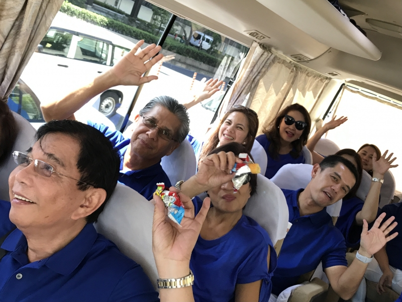 Guests in s bus on the way to Kobe