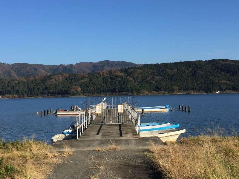 [Dec.] A Small Port of Lake Yogo (2 of 2)