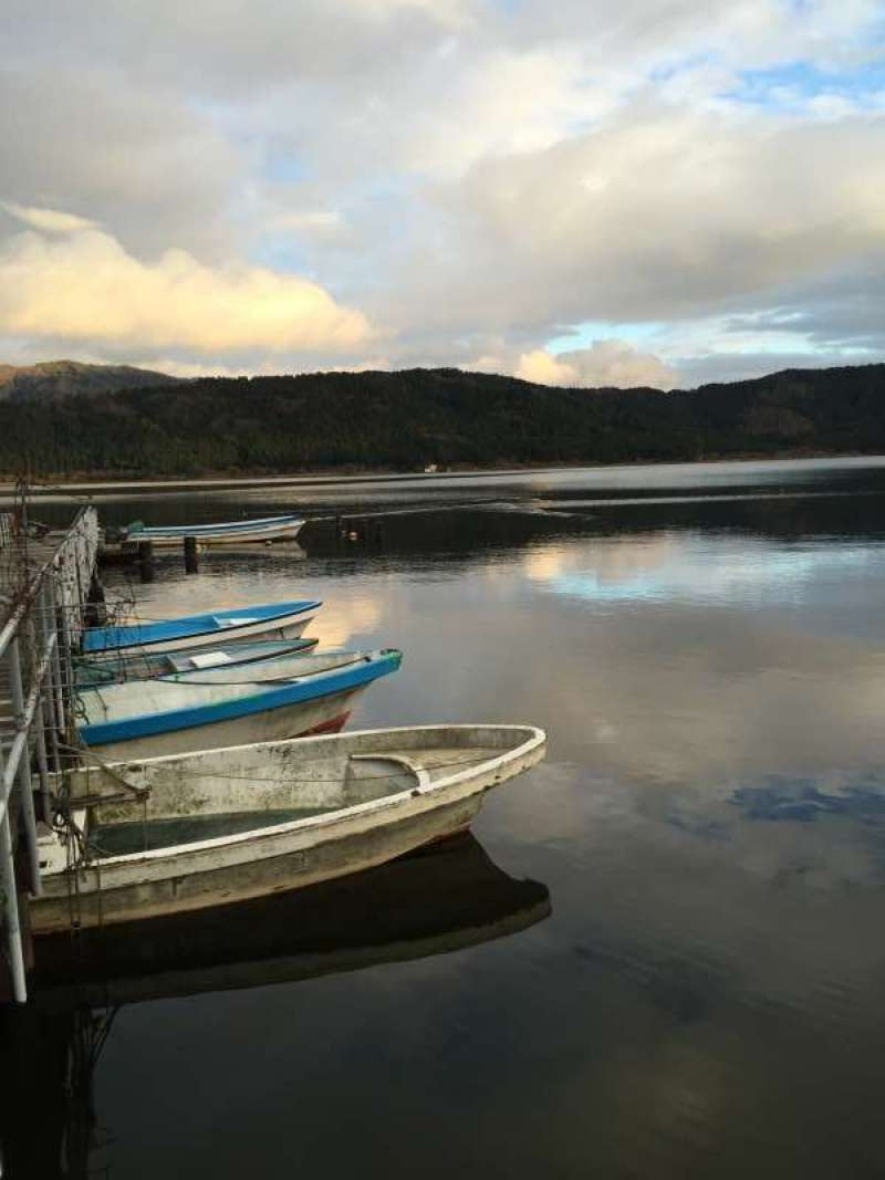 [Dec.] A Small Port of Lake Yogo (1 of 2)