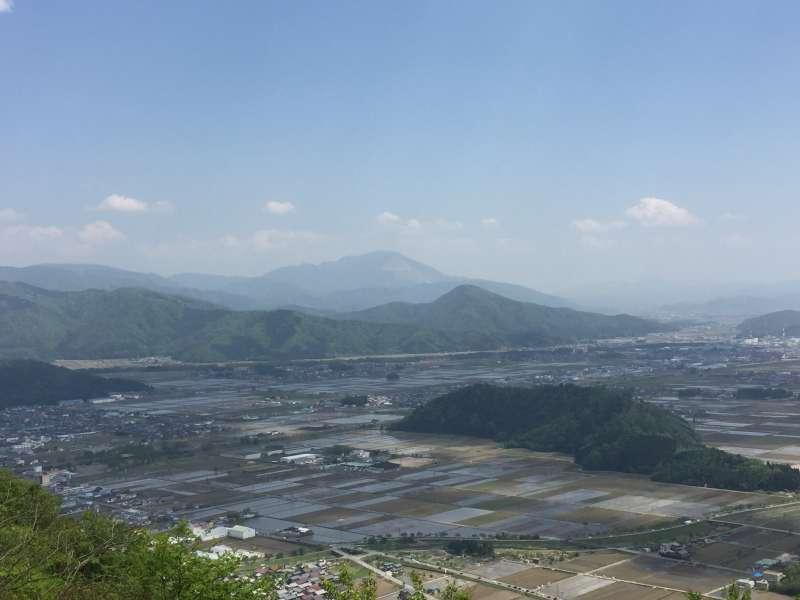 [May] Seen from the Summit of Shizugatake